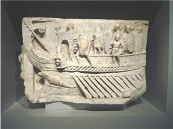 Relieff eines römischen Kriegsschiffes