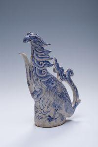 Auch die Vase in Gestalt eines Phoenix' war unter den Fundstücken am Meeresgrund. Foto: LWL/Binh